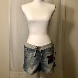 No Boundaries Super Soft Shorts - Large- NWT